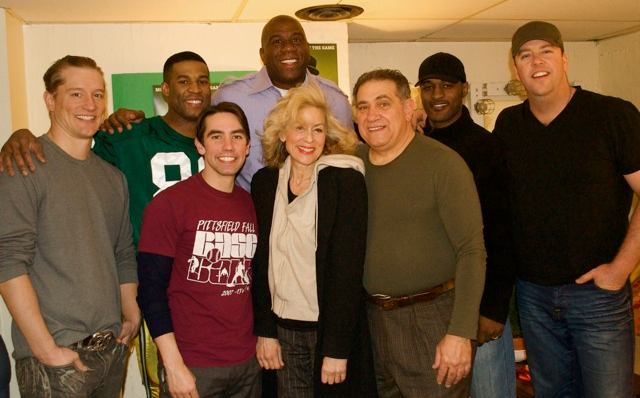 Magic Johnson and the cast (Photo: www.sulltography.com)